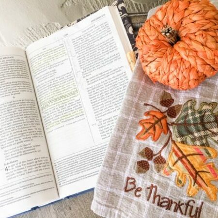 Be Thankful leaves and pumpkin bible